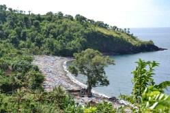 Ensenada con barcos en carretera de Ujung a Amed